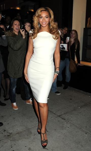 Beyonce jolie en blanc